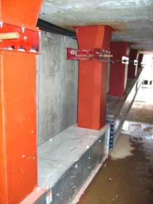 Horizontal Drag Conveyor bin floor loadout featuring a 10 degree elbow.