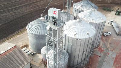 Senior 36 Grain Leg. Capacities of 10,000 BPH.